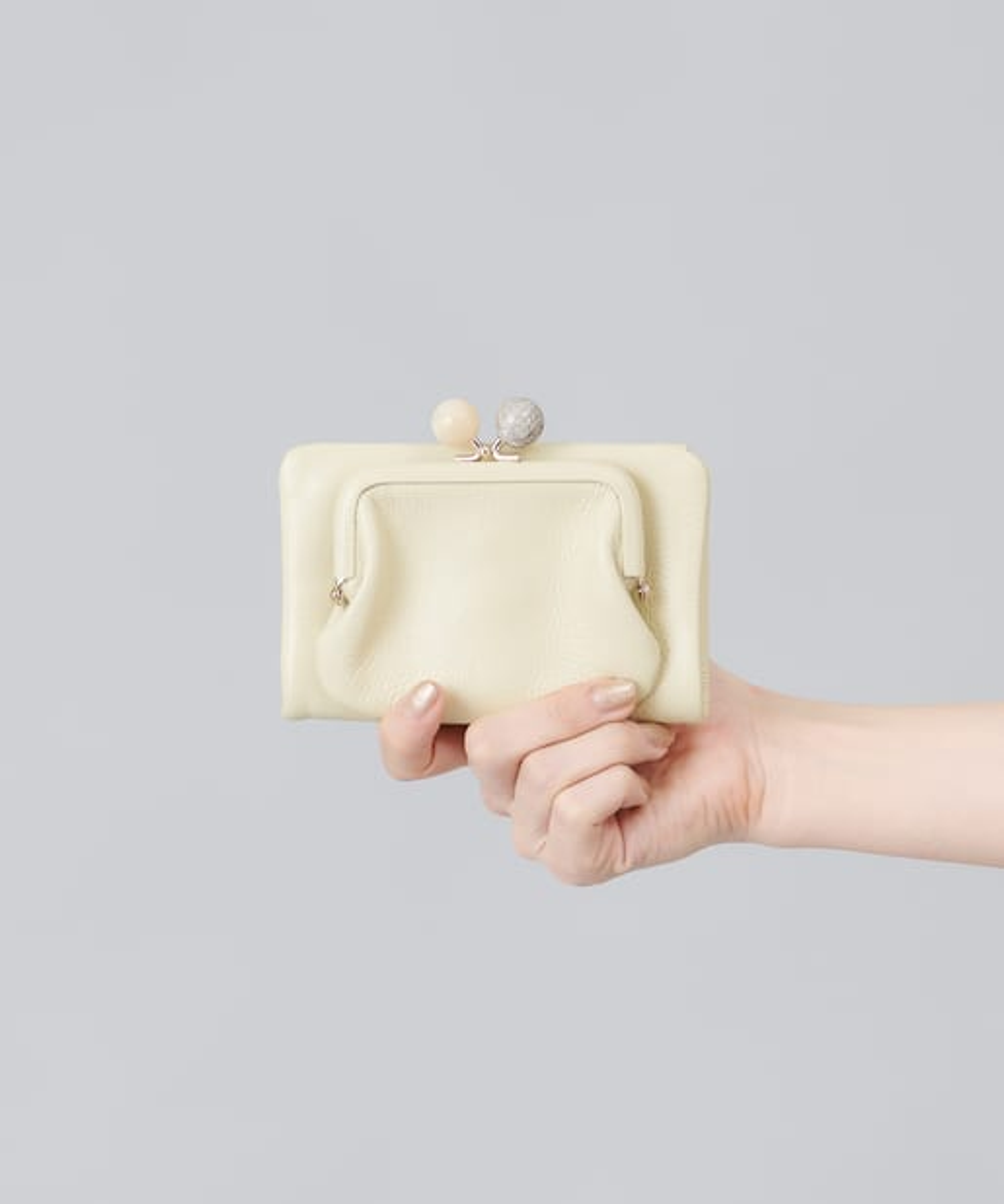 ear PAPILLONNER(イア パピヨネ) (WEB限定カラーあり)【追加販売】がま口折り財布