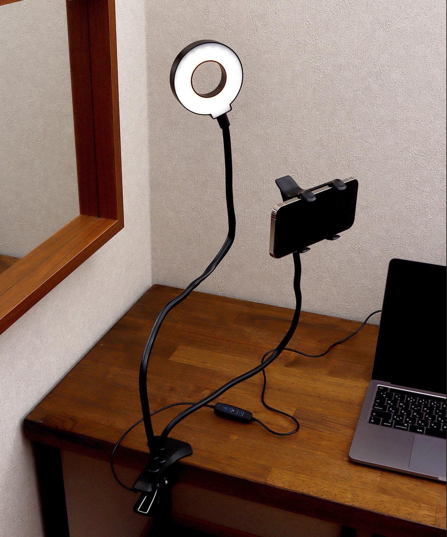 3COINS(スリーコインズ) ライフスタイル ライト付きスマホクリップ式ホルダー ブラック