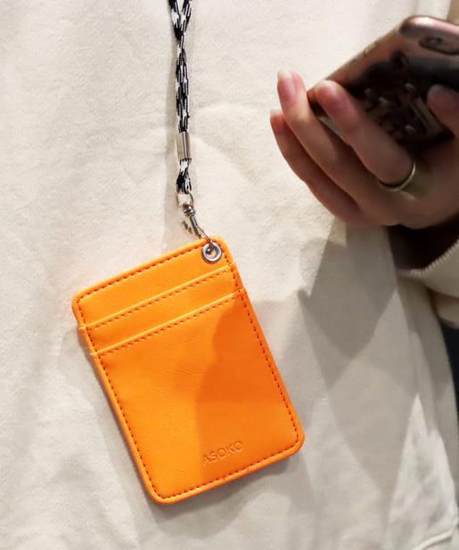 3COINS(スリーコインズ) レディース 【ASOKO】ネオンIDカードホルダー オレンジ