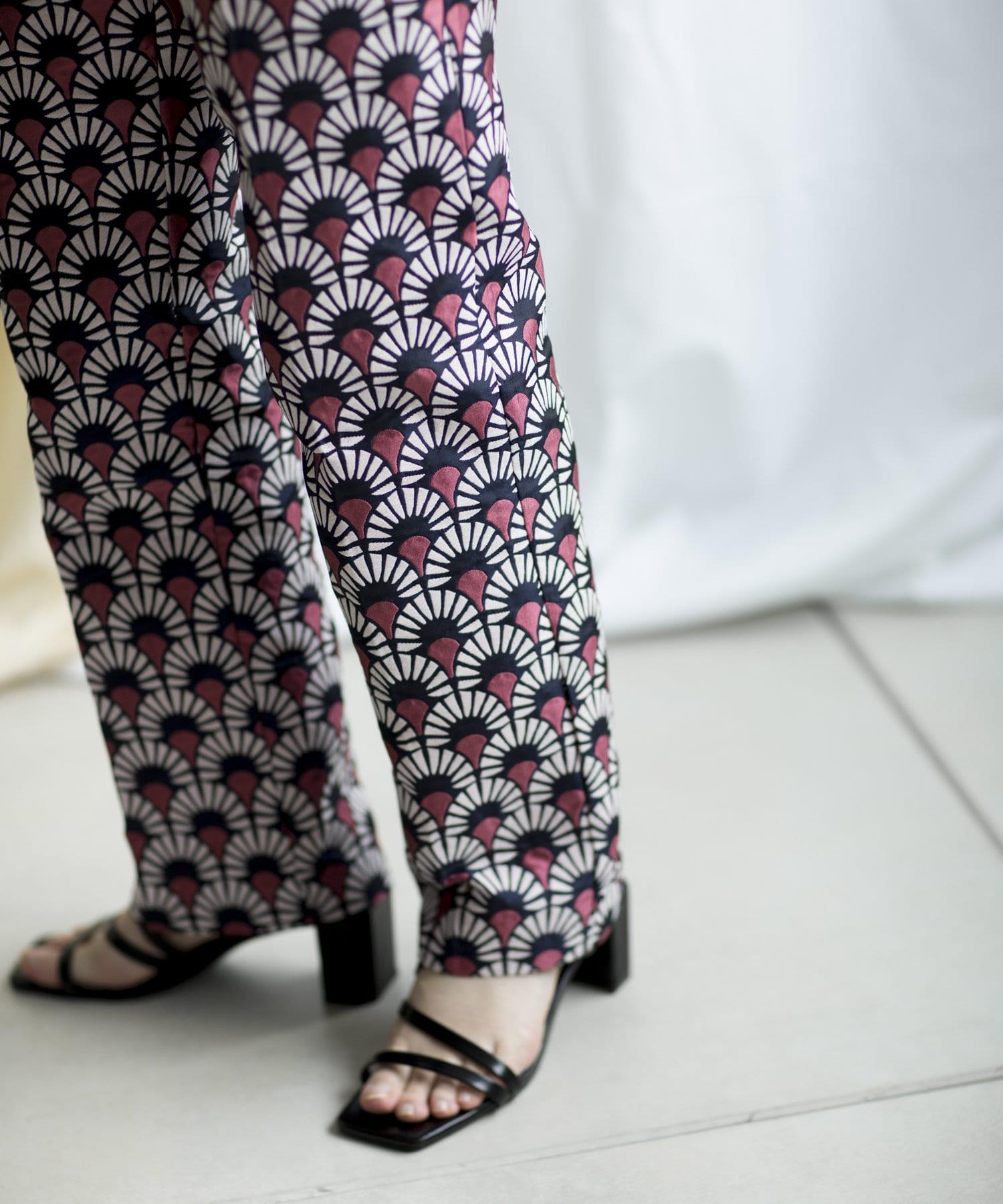 mona Belinda(モナ ベリンダ) センタープレスジャガードパンツ