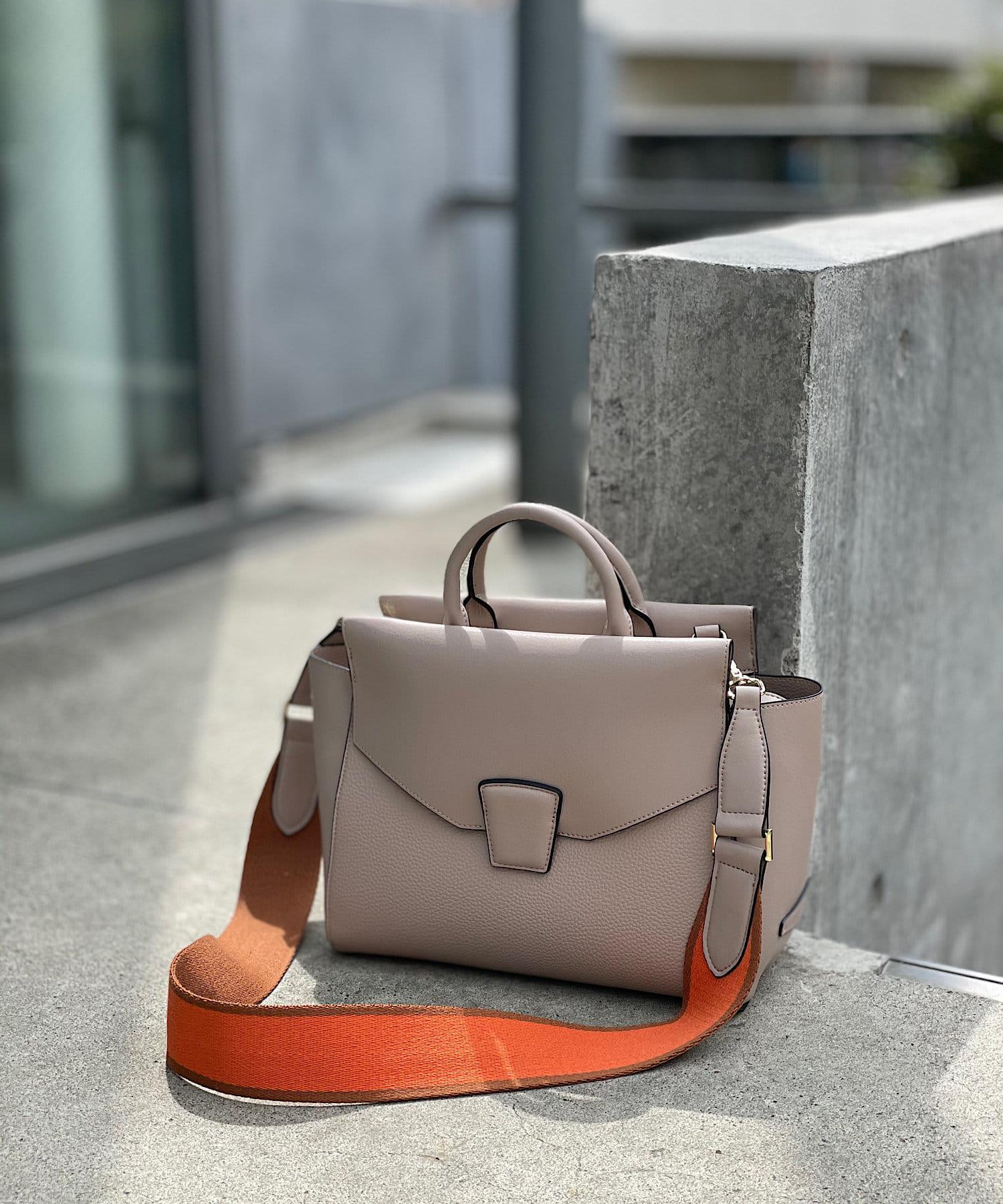 RIVE DROITE(リヴドロワ) 【シンプルで洗練されたデザイン】ベルトポイントソフトバッグ