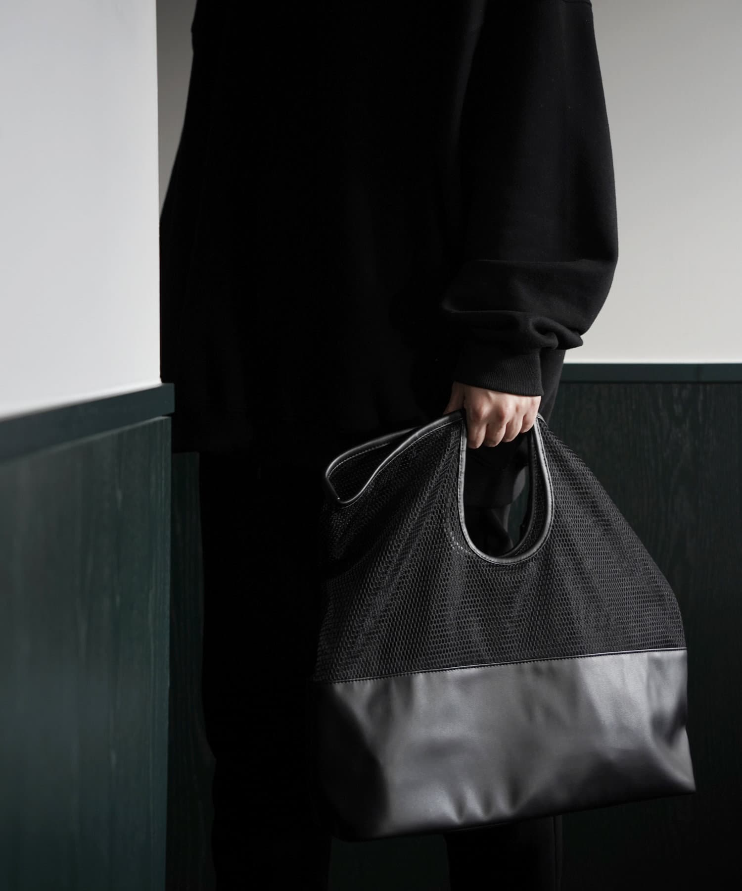 COLONY 2139(コロニー トゥーワンスリーナイン) レディース 【@sakina_yamamoto】メッシュくり手トートバッグ ブラック