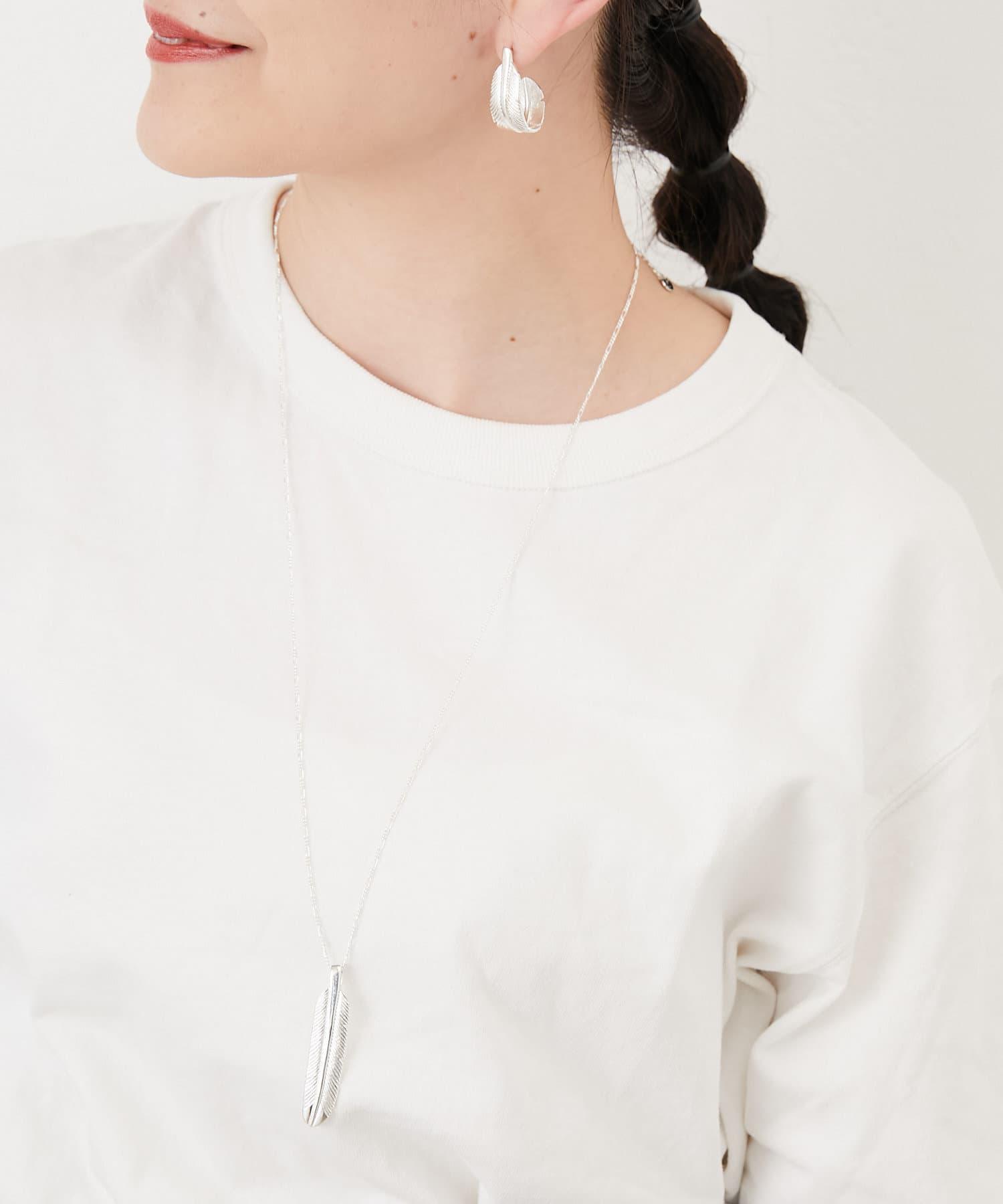 ear PAPILLONNER(イア パピヨネ) フェザーロングネックレス