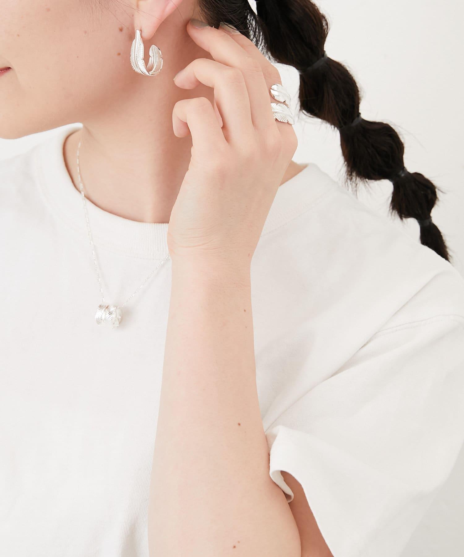 ear PAPILLONNER(イア パピヨネ) フェザーリングネックレス