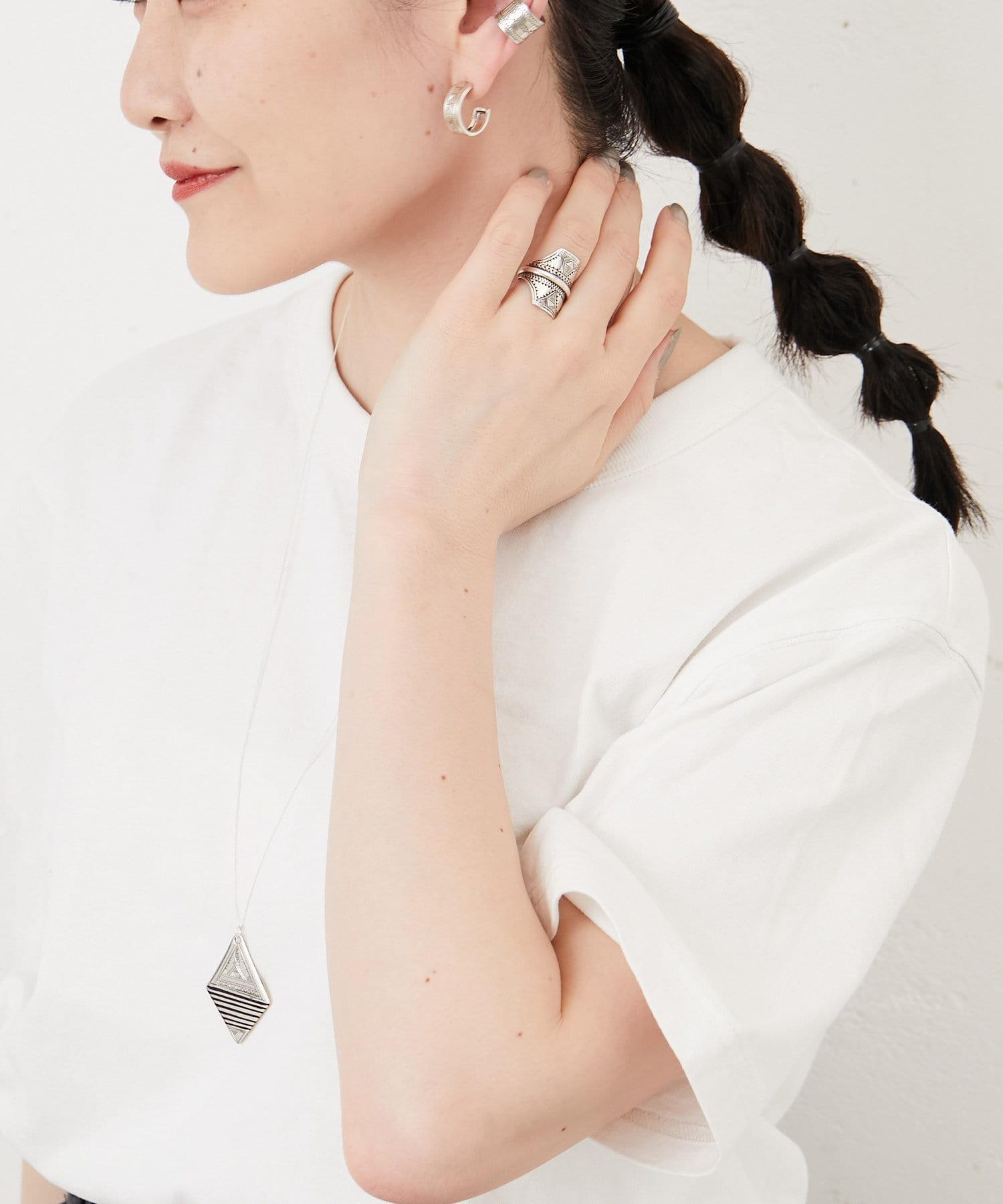 ear PAPILLONNER(イア パピヨネ) 【TUAREG SILVER(トゥアレグ)】縞目ネックレス