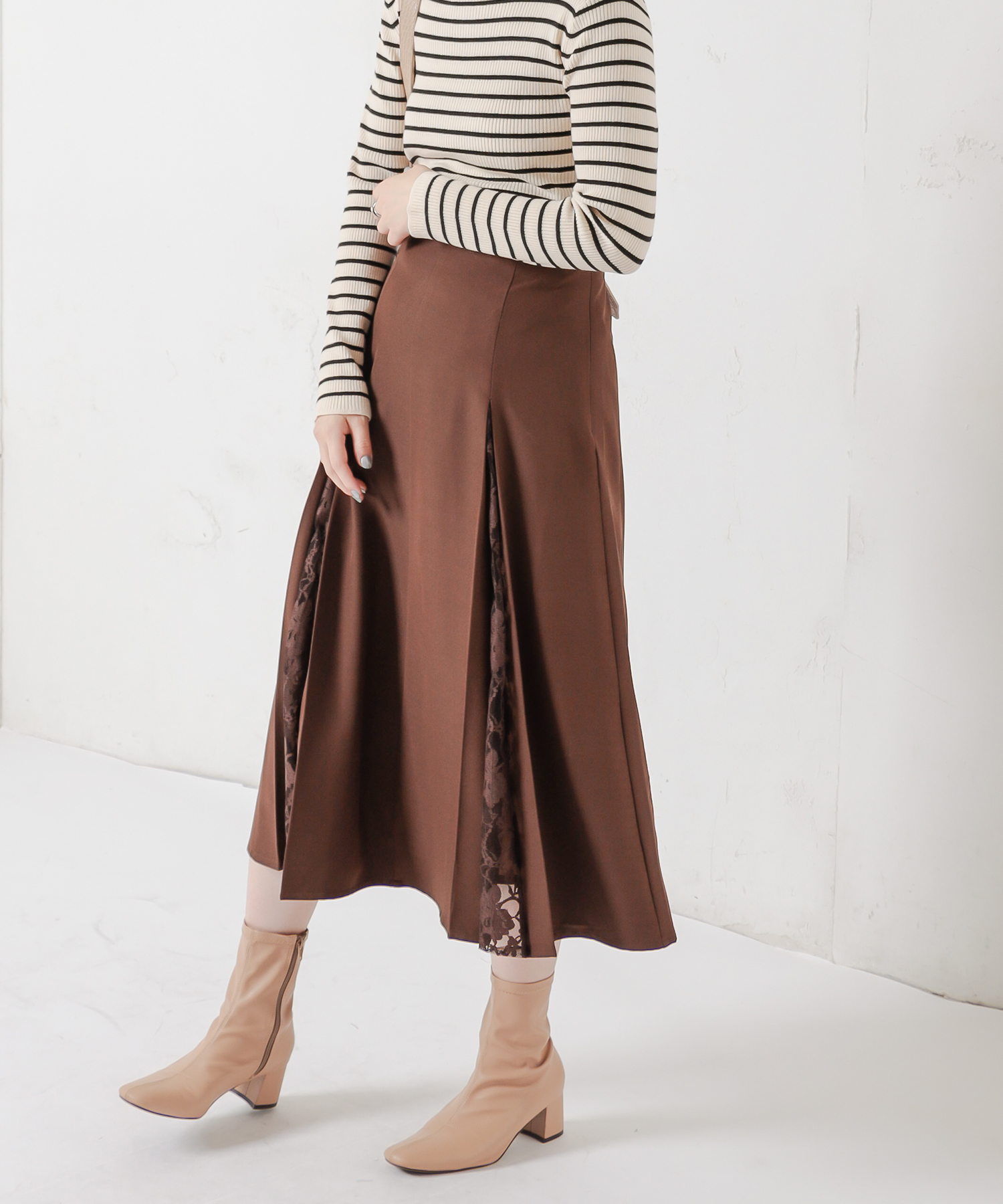 natural couture(ナチュラルクチュール) 8枚接ぎレースちら見えスカート