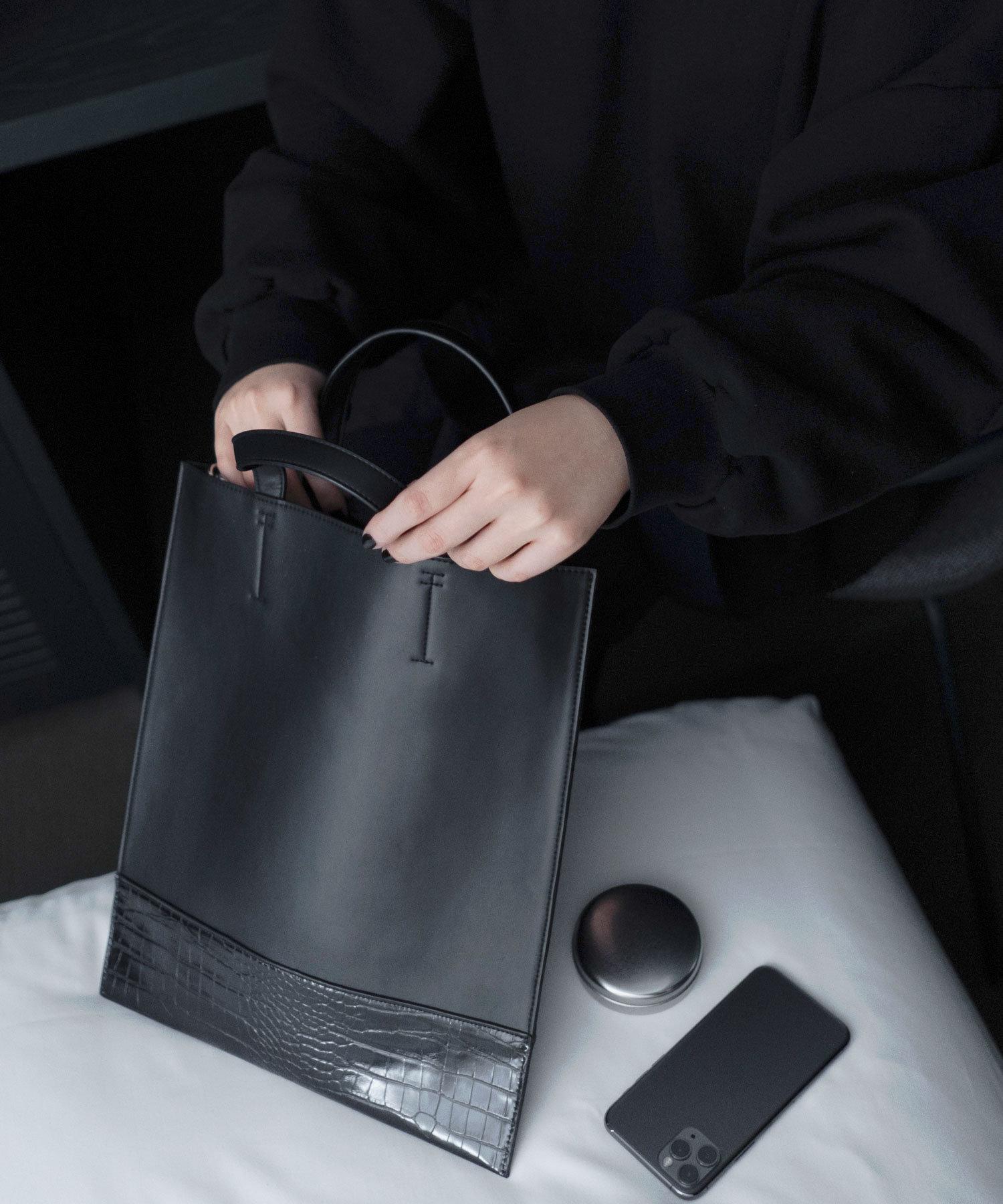 COLONY 2139(コロニー トゥーワンスリーナイン) レディース 【@sakina_yamamoto】サステナビリティレザーマチなしトートバッグ ブラック