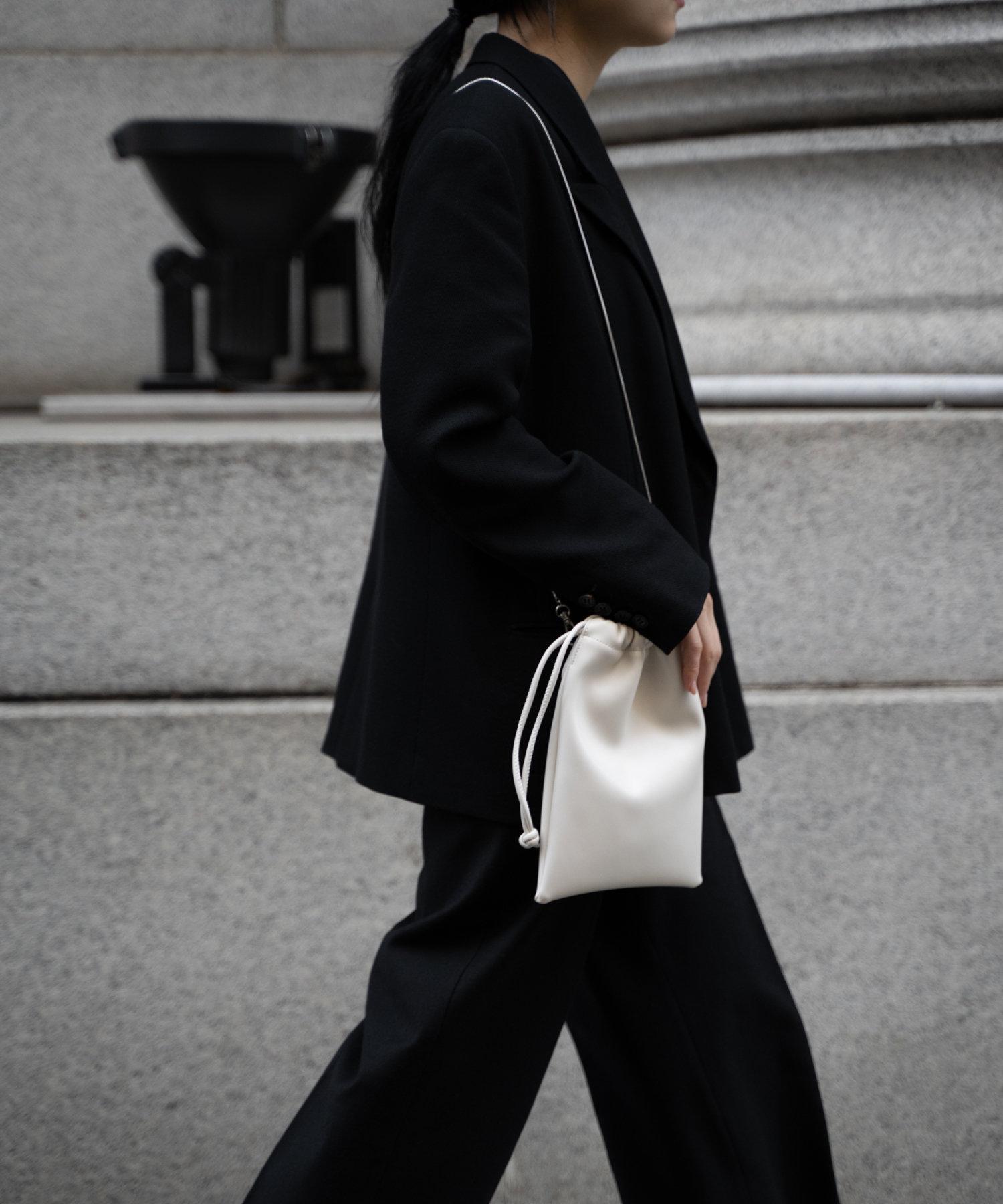 COLONY 2139(コロニー トゥーワンスリーナイン) レディース 【@sakina_yamamoto】サステナビリティレザー巾着チェーンバッグ アイボリー