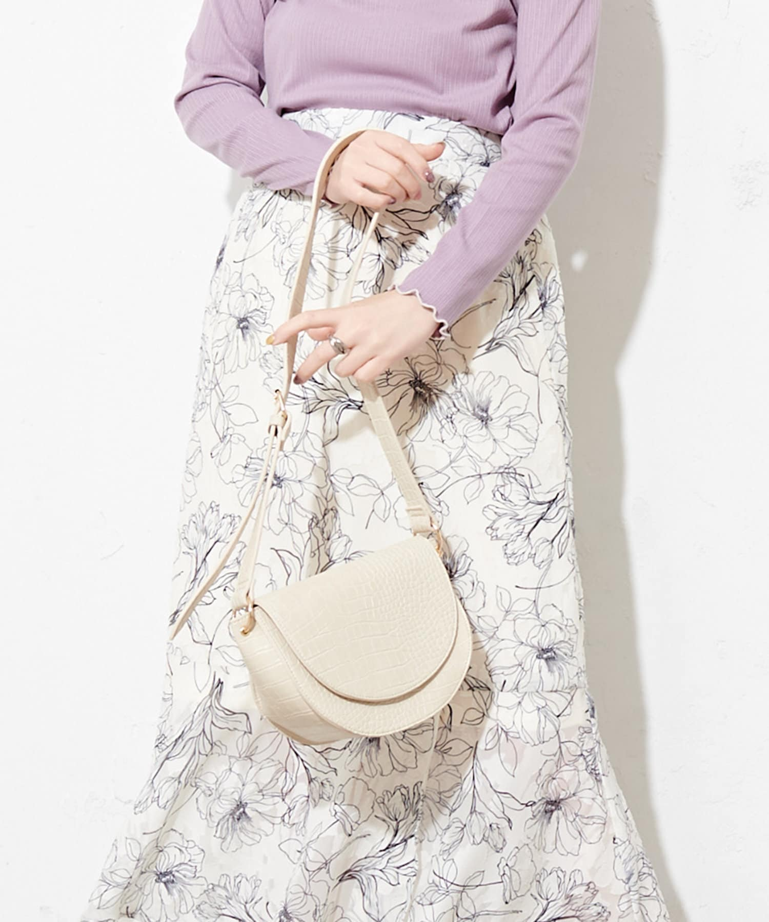 natural couture(ナチュラルクチュール) レディース エコバッグ入れパス付きハーフムーンバッグ アイボリー