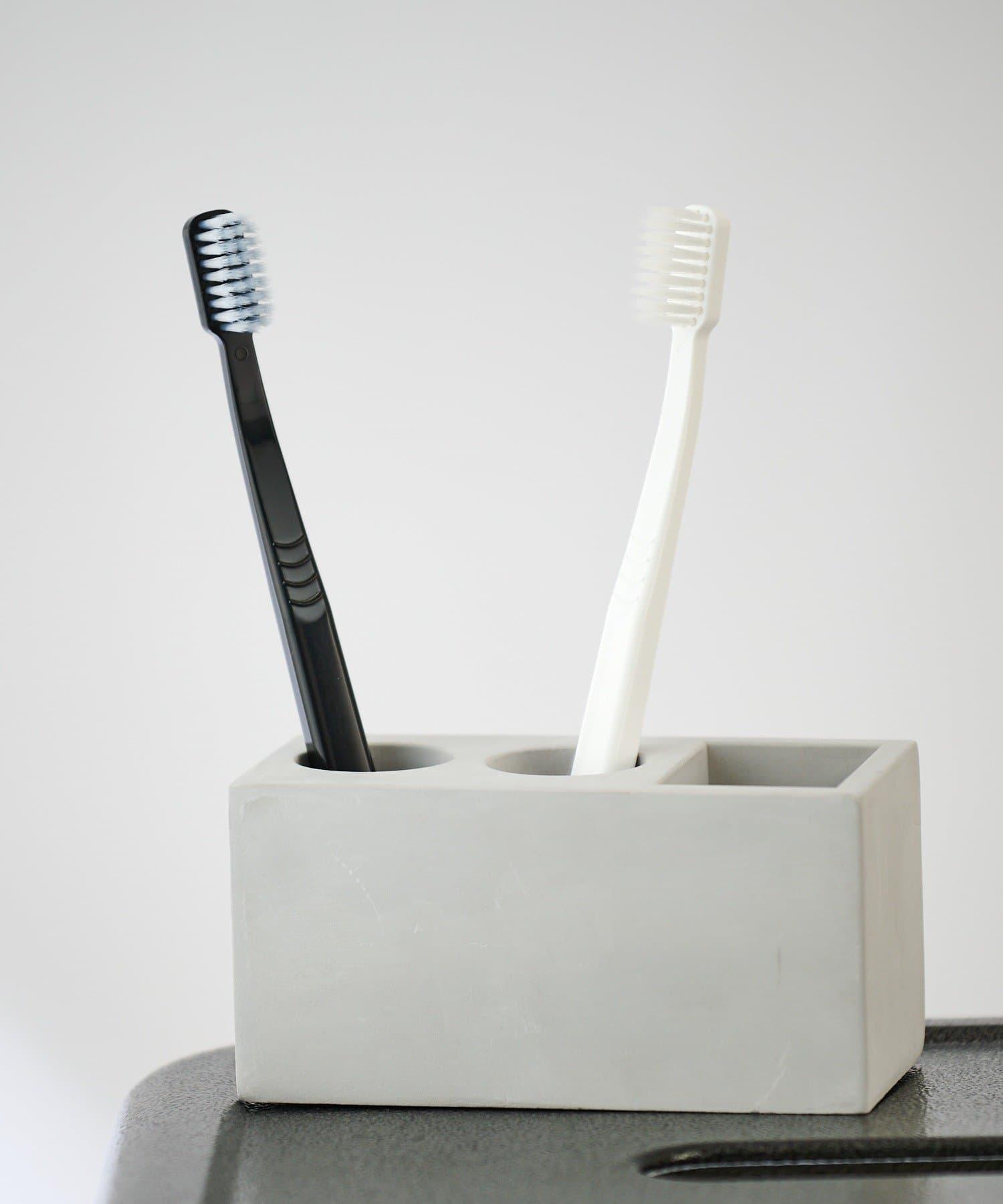 COLONY 2139(コロニー トゥーワンスリーナイン) ライフスタイル 珪藻土トゥースブラシスタンド/歯ブラシ立て[使用動画あり] グレー