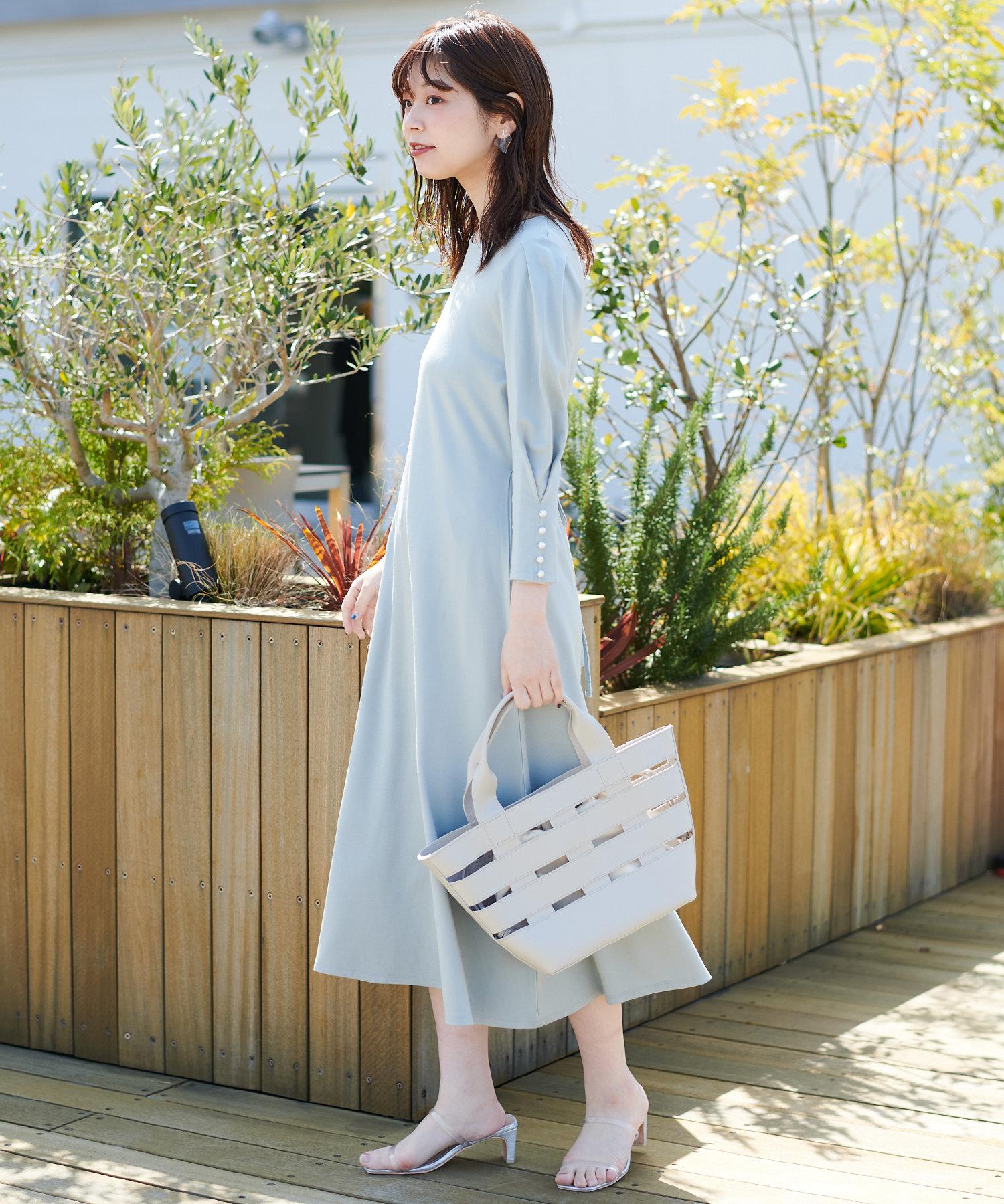 natural couture(ナチュラルクチュール) 【WEB限定】袖口パールカットフレアワンピース