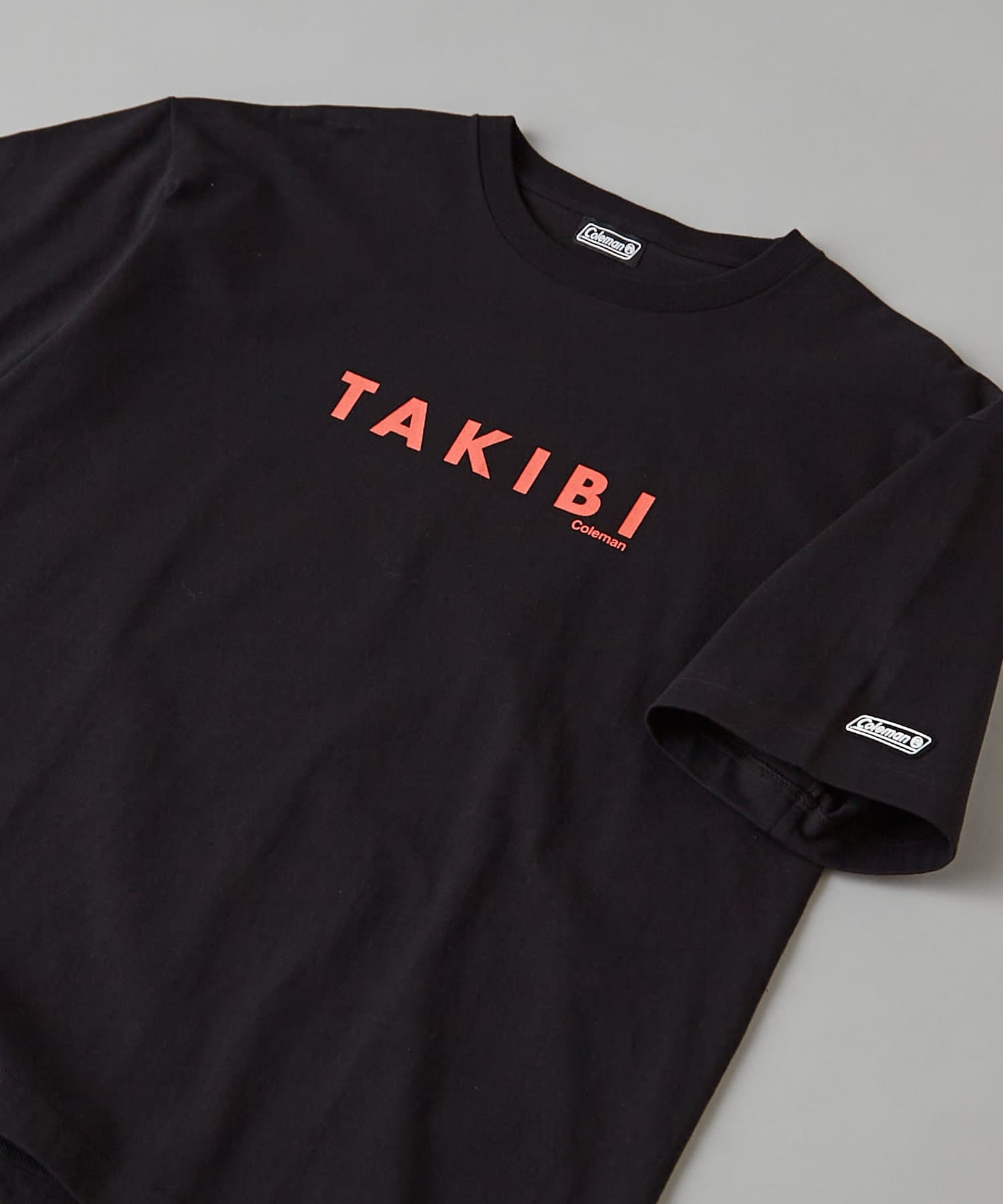 CIAOPANIC(チャオパニック) 【Coleman×CIAOPANIC】TAKIBI バックプリントロゴTシャツ