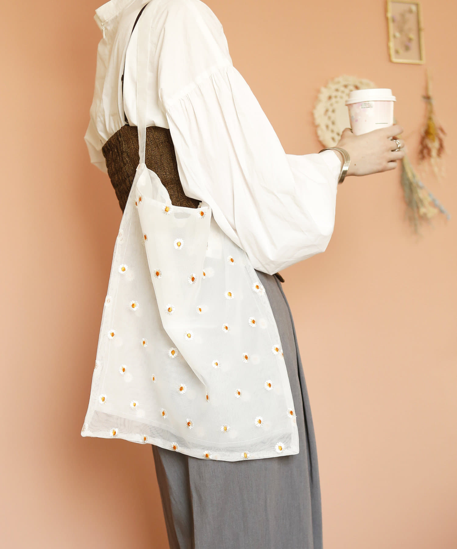 3COINS(スリーコインズ) 【ASOKO】【fem fem fem】刺繍ワンショルダーバッグ