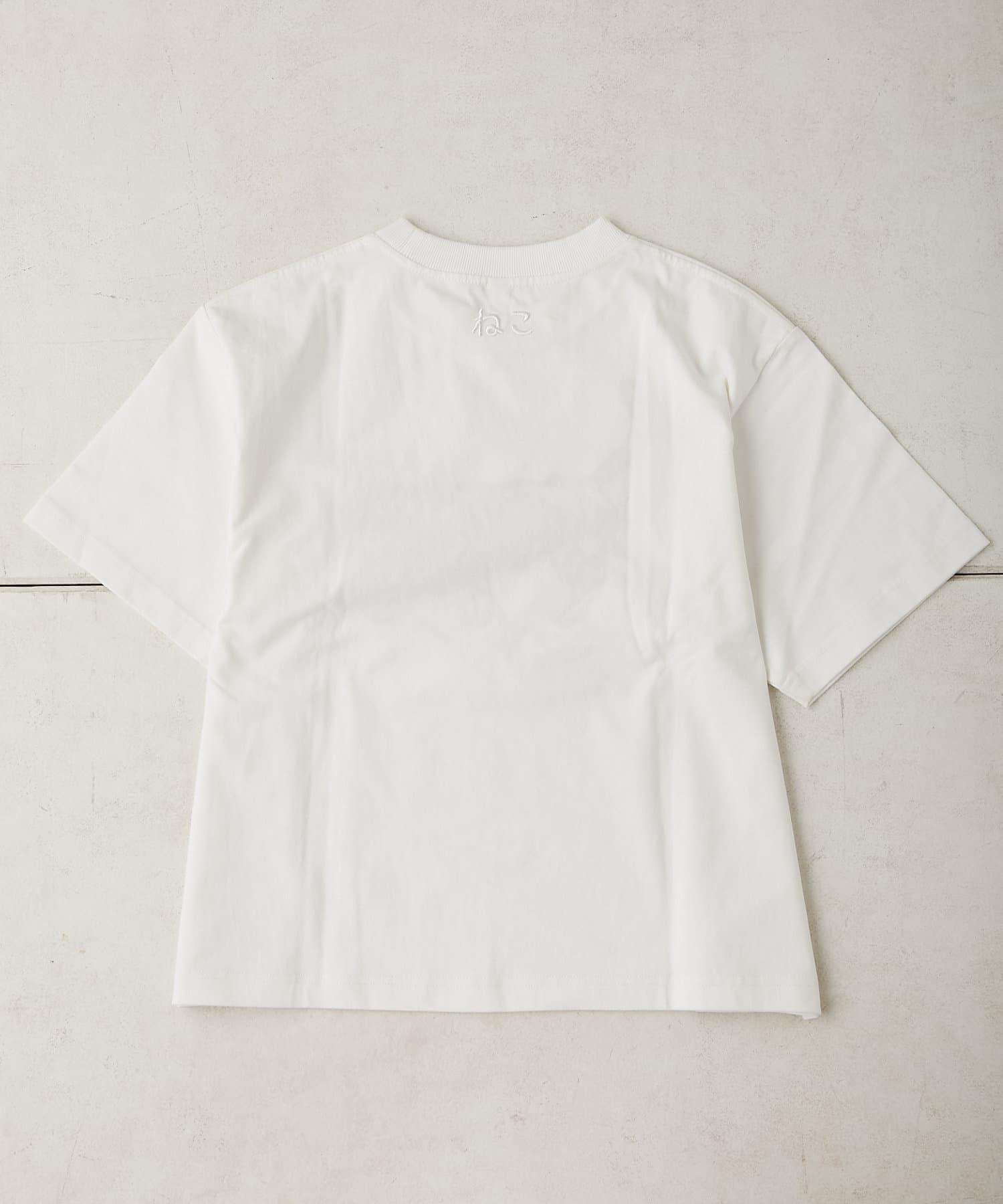 ear PAPILLONNER(イア パピヨネ) ネコ刺繍Tシャツ