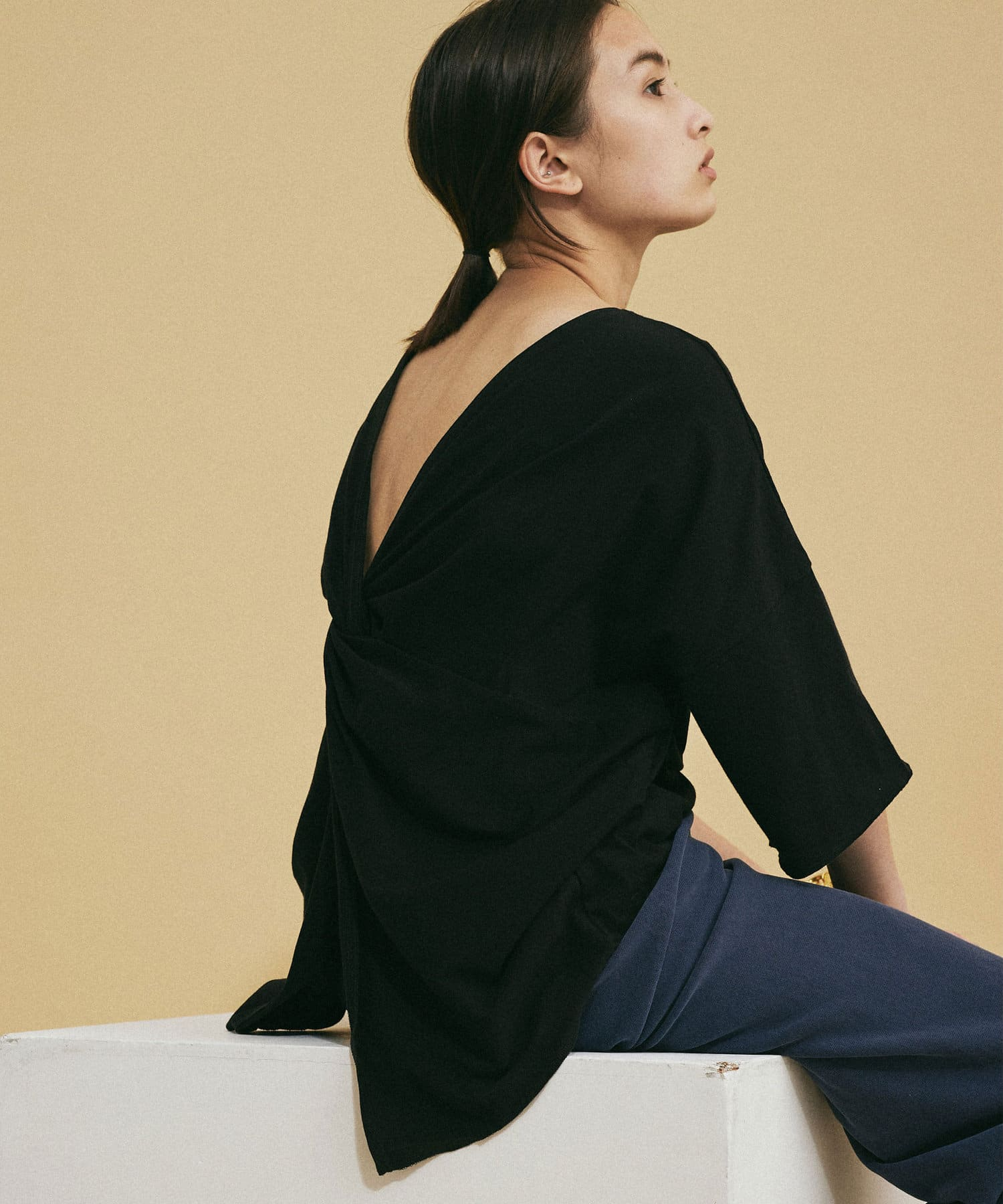 GALLARDAGALANTE(ガリャルダガランテ) バックツイストオーバーTシャツ【オンラインストア限定商品】
