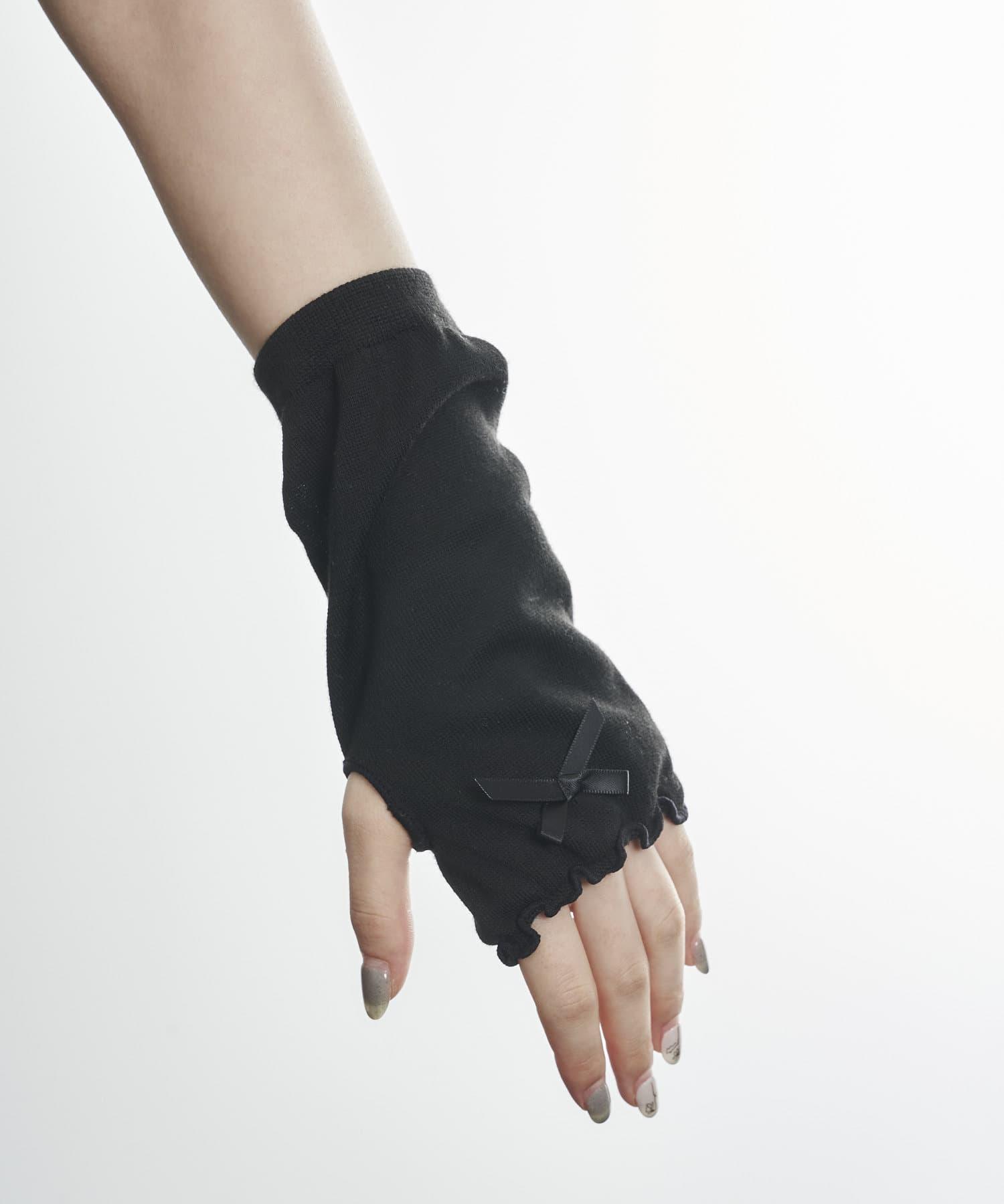 3COINS(スリーコインズ) ライフスタイル 【快適な日差し対策】冷感リボン付きアームカバーショート丈 ブラック