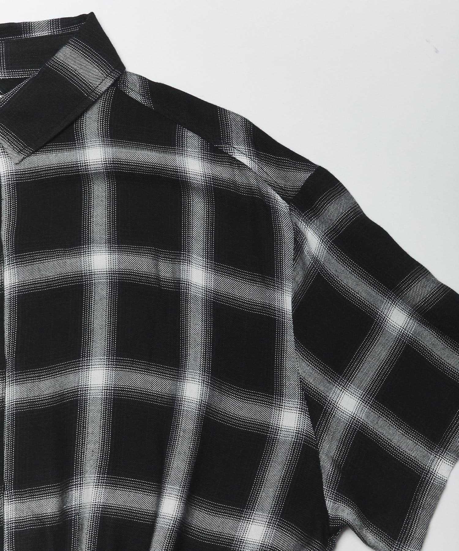 WHO'S WHO gallery(フーズフーギャラリー) ダメージ半袖ショートシャツ