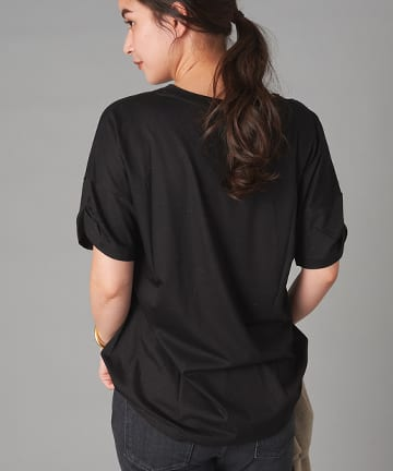 La boutique BonBon(ラブティックボンボン) 【手洗い可】リヨセル混VネックTシャツ