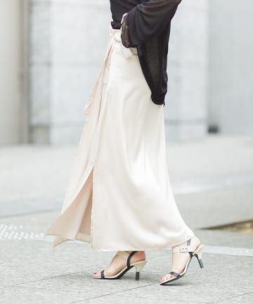 mona Belinda(モナ ベリンダ) サテンラップロングスカート