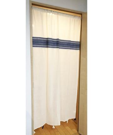 salut!(サリュ) タッセル付きカーテン