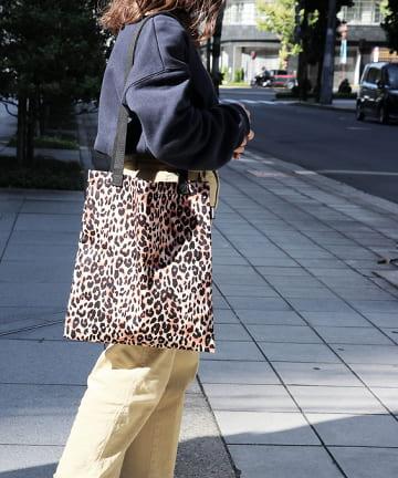 3COINS(スリーコインズ) 【ASOKO】レオパード柄トートバッグ