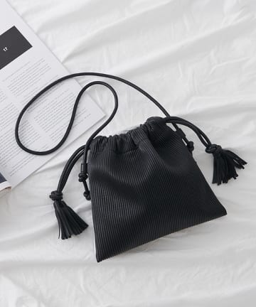 COLONY 2139(コロニー トゥーワンスリーナイン) プリーツ巾着バッグ