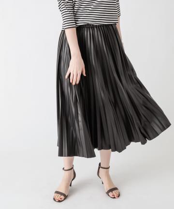 un dix cors(アンディコール) 動画付き【大人かっこいい印象に】レザープリーツスカート