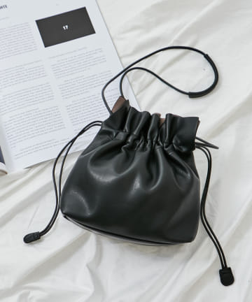 COLONY 2139(コロニー トゥーワンスリーナイン) ミニ巾着ショルダーバッグ(スムース)
