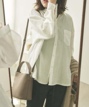 Chez toi(シェトワ) BACKタックシャツ