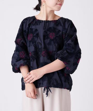 BEARDSLEY(ビアズリー) 《桐生のジャガード刺繍を使用》花ジャガードブラウス