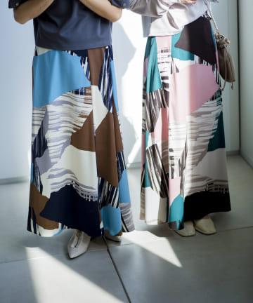 mona Belinda(モナ ベリンダ) ジオメトリー柄スカート