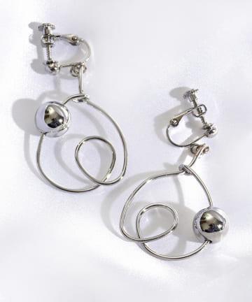 3COINS(スリーコインズ) ワイヤーマキショートイヤリング