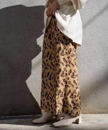 Kastane(カスタネ) 配色花柄Iラインスカート