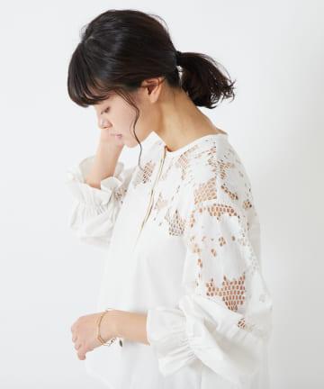 COLLAGE GALLARDAGALANTE(コラージュ ガリャルダガランテ) 【軽快に魅せる装い】花柄レースシャツ