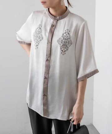 RASVOA(ラスボア) バンドカラー配色刺繍シャツ