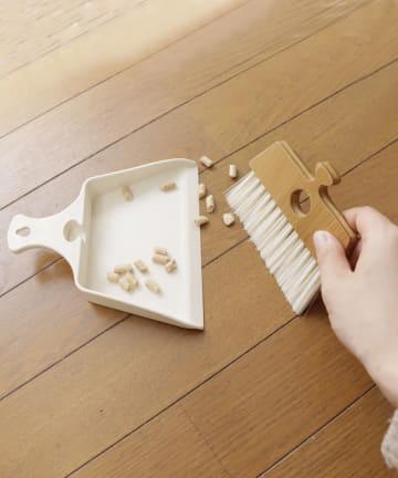 salut!(サリュ) 【お掃除におすすめ】ほうきちりとりミニ