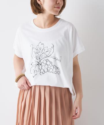 BONbazaar(ボンバザール) グレーププリントTシャツ
