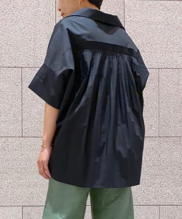 LIVETART(リヴェタート) 【こなれ感を演出】バックプリーツシャツ