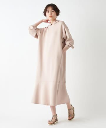 un dix cors(アンディコール) 【柔らかな着心地】ダンボール裾フレアフーディワンピース