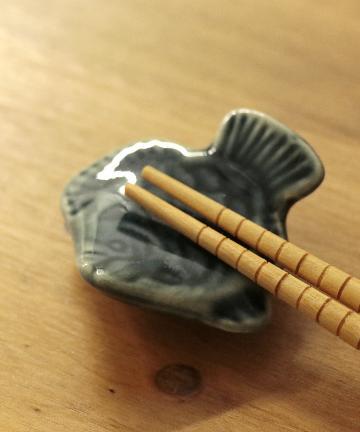 salut!(サリュ) 魚の箸置き(ブルー)