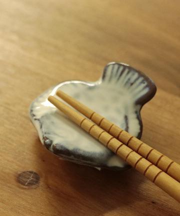 salut!(サリュ) 魚の箸置き(ホワイト)