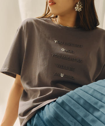 Chez toi(シェトワ) 強撚コットンエンボスロゴTシャツ