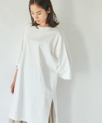 La boutique BonBon(ラブティックボンボン) ワイドサイドスリットTシャツ