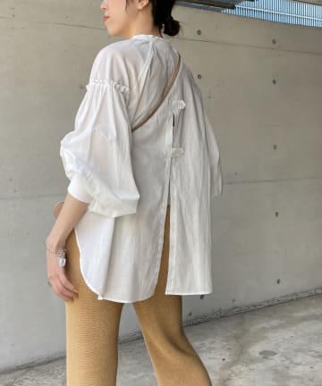 CAPRICIEUX LE'MAGE(カプリシュレマージュ) バックスリットシャツ