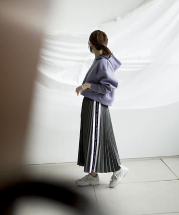 mona Belinda(モナ ベリンダ) 《期間限定タイムセール》サイドロゴプリーツスカート