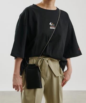 COLONY 2139(コロニー トゥーワンスリーナイン) アメリカンショップサイン ショート丈Tシャツ