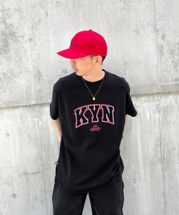 WHO'S WHO gallery(フーズフーギャラリー) 【KOOKY'N/クーキー】フロッキーカレッジTEE