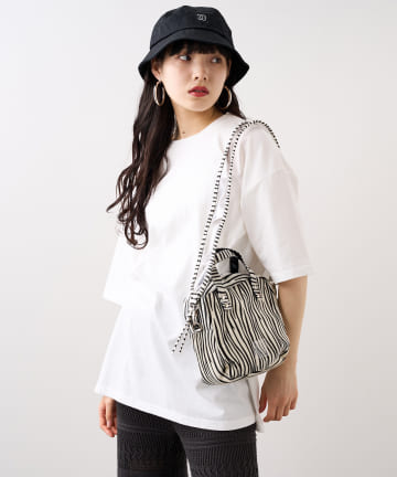 RASVOA(ラスボア) 【EDT】Box shoulderbag