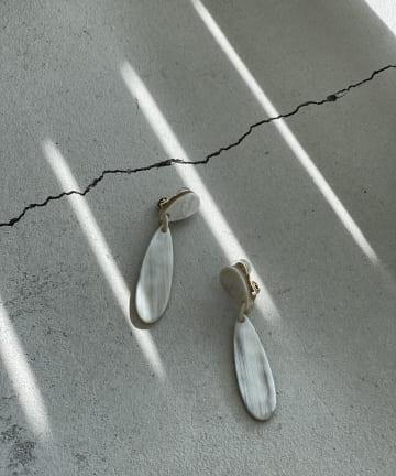 RIVE DROITE(リヴドロワ) 《予約》【縦長デザインが洗練された印象】ドロップイヤリング
