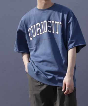 Discoat(ディスコート) 【curiosity】カレッジプリント裏毛Tシャツ(ユニセックスで着用可能)